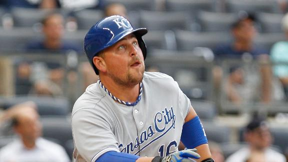 Guthrie handles delay as Royals roll Yanks