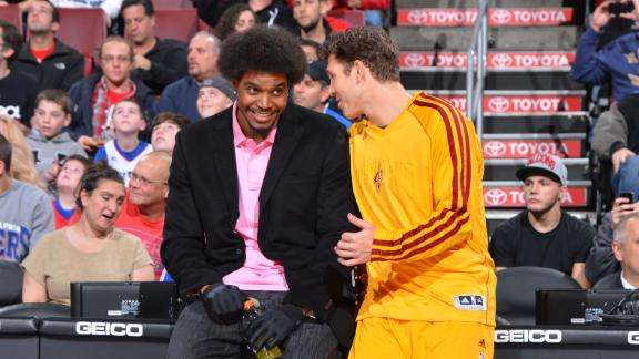 Sources: Cavs offer Bynum 2-year contract
