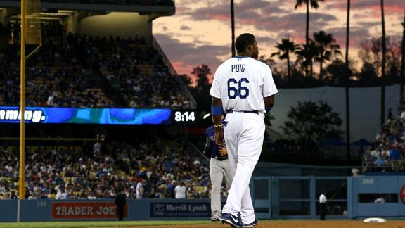 Dodgers' Puig leaves game because of hip