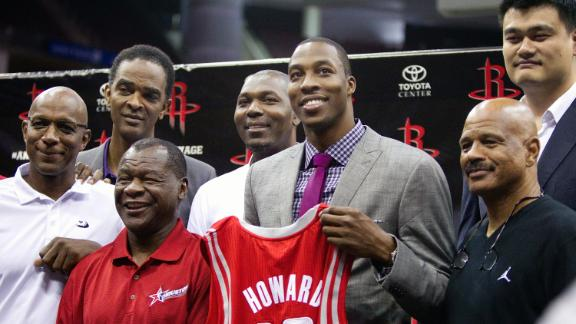 Rockets eye Olajuwon as centers' mentor