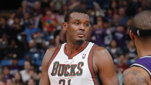 Video - Dalembert Agrees With Mavs