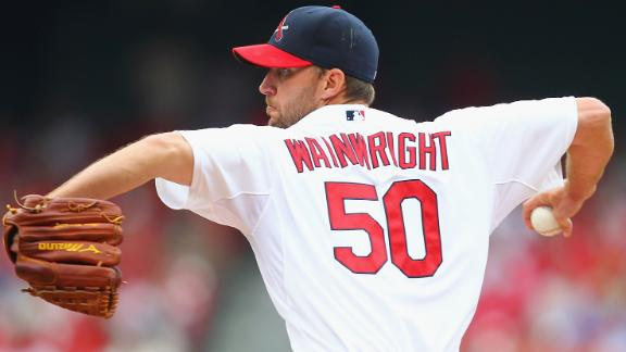 Cards' Wainwright earns NL-best 13th win