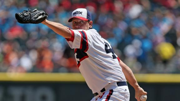 Peavy outduels Verlander as White Sox win