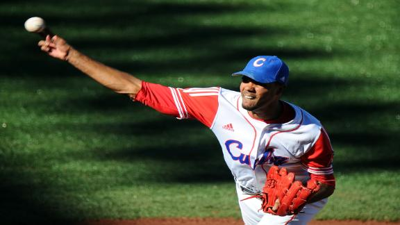 Source: Cuban star Gonzalez agrees with Phils