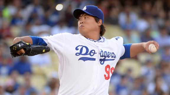 Ryu strikes out 9 as Dodgers dispatch Reds