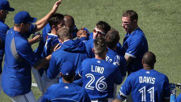 Rasmus hit in 9th gets Blue Jays by Astros