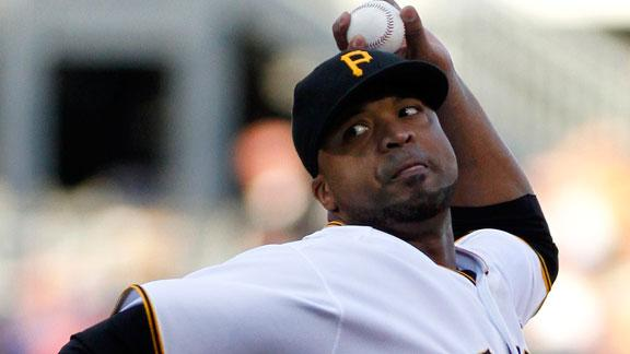 Liriano, Alvarez guide Pirates to rout of Cards