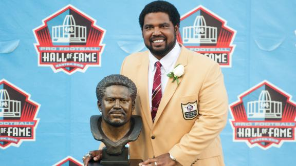 Hall of Fame: Carter, Parcells, Ogden inducted