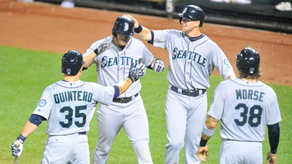 Saunders homers twice as M's down Orioles