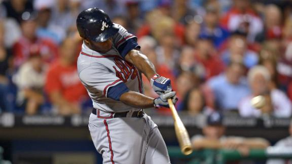 Braves trump Lee, Phillies for 10th in a row
