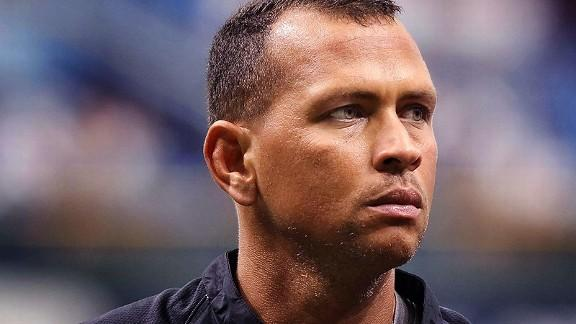 A-Rod booed before first at-bat in Chicago, responds with singl…