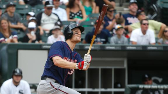 Morneau's slam helps Twins rally by White Sox