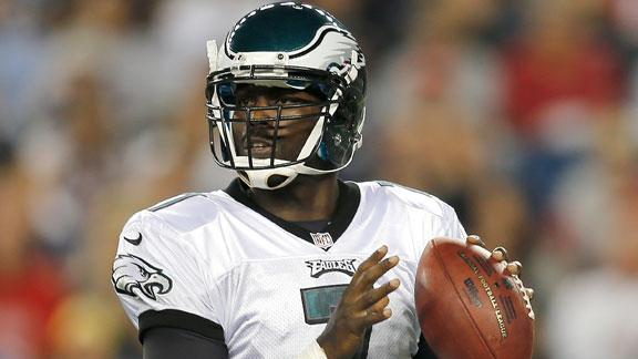 Vick named Eagles starting QB over Foles