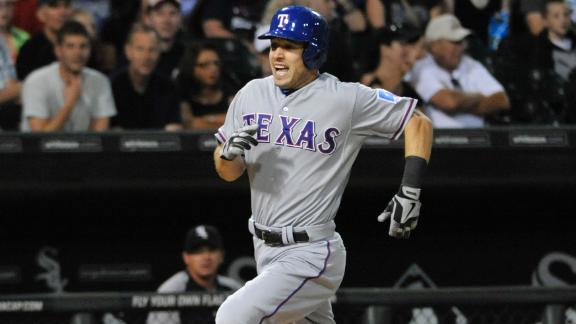 Kinsler's inside-the-park HR sparks Rangers