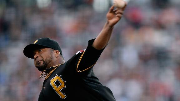 Giants tee off vs. Liriano early, sink Pirates