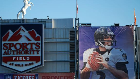 Banner at Broncos' home baffles Flacco, too