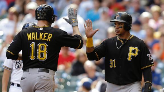 Walker's HR gives Pirates NL Central lead