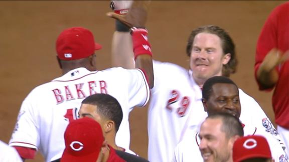 Reds sweep on Hanigan's RBI double in 9th