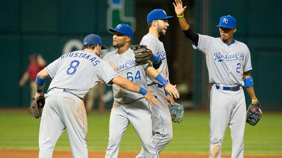 Royals drop Indians, end slide in Cleveland