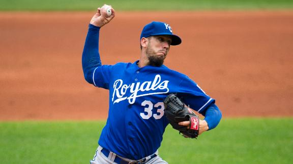 Royals top Indians to tighten wild-card race