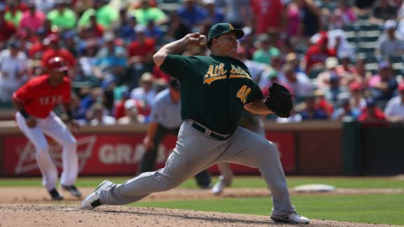Colon, A's extend AL West lead on Rangers