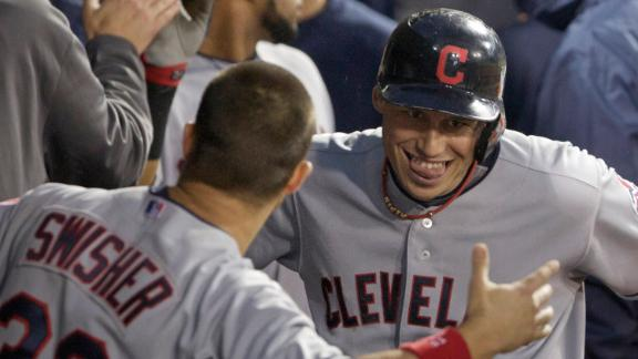 Swisher helps Indians close gap in AL race