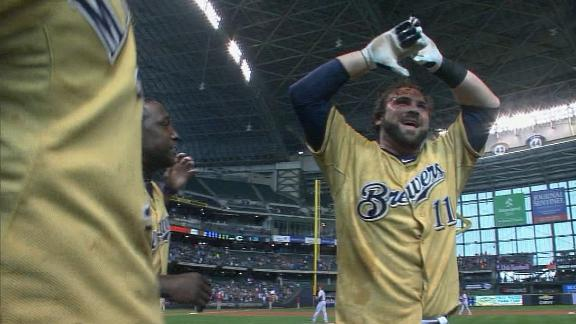Halton's HR in 9th lifts Brewers over Reds