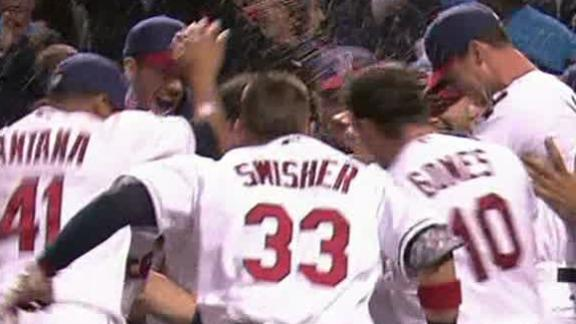 Indians stun White Sox in 9th on Giambi HR