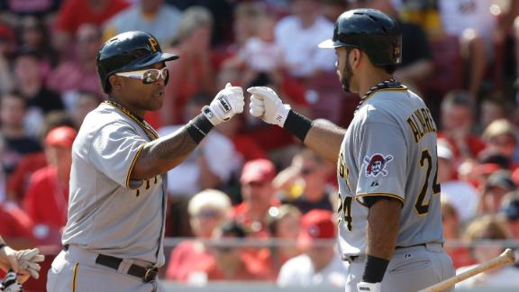 Pirates' 6 homers help seal home-field edge