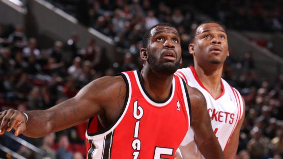 Greg Oden of Miami Heat practices for first time in four years
