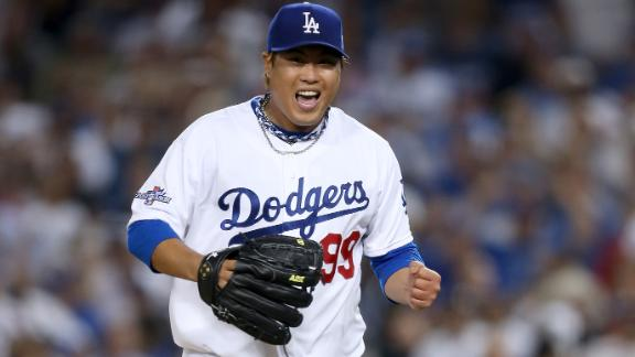 Ryu outduels Wainwright; Dodgers win Game 3