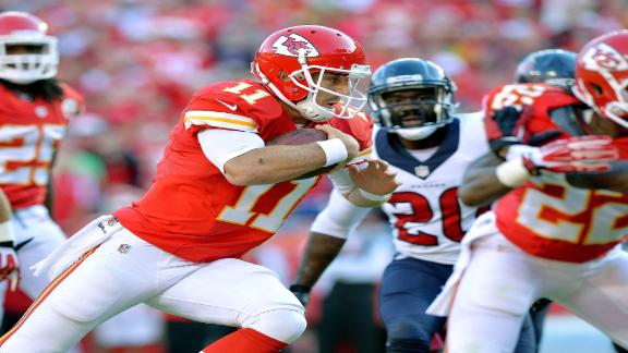 Chiefs stave off ailing Texans, move to 7-0