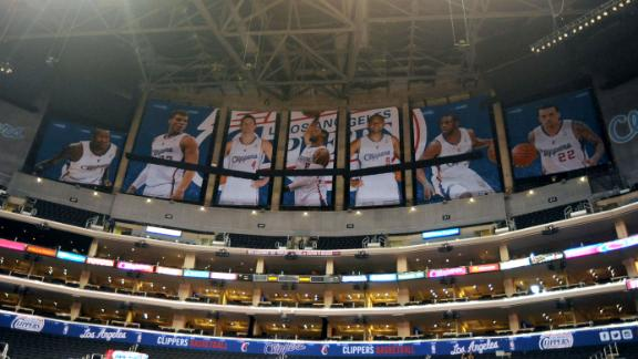 Video - The Forum: Clippers Covering Up Lakers' Banners