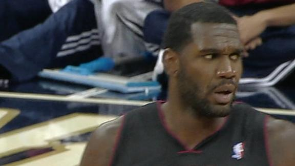 Heat's Oden dunks in first game since 2009