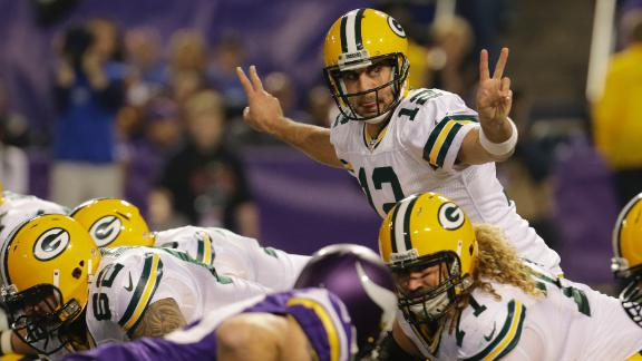 Rodgers, Packers make quick work of Vikes