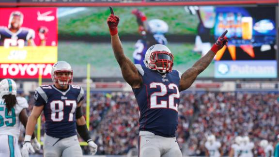 Pats overcome shaky start to beat Dolphins