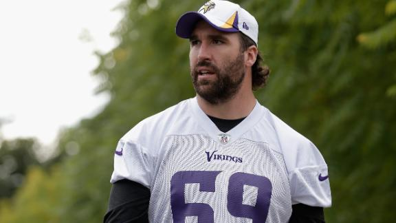 Allen 'proud' to still be with Vikes after deadline