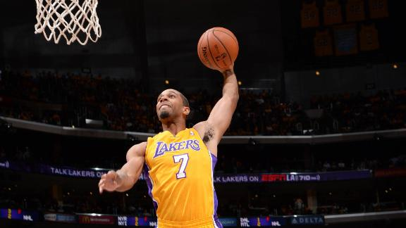 Henry leads Lakers reserves' rally vs. Clips
