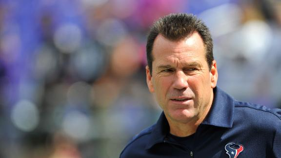 Texans' Kubiak collapses, taken to hospital