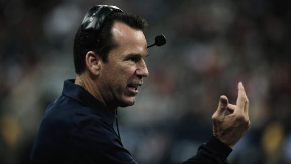Texans coach Kubiak released from hospital