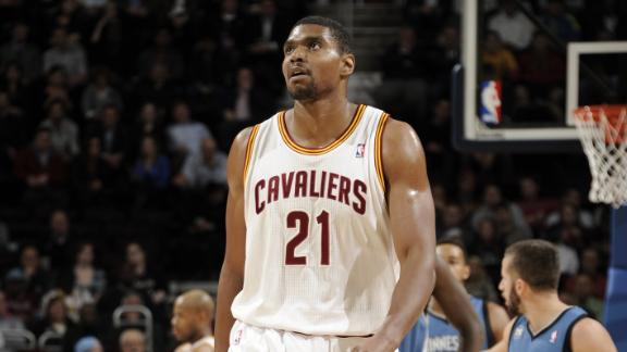 Bynum: 'I'm a shell of myself on the court'