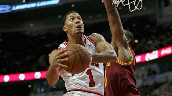 Video - Rose Injures Hamstring In Bulls' Win