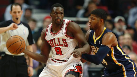 Rose returns as Bulls hand Pacers 1st loss