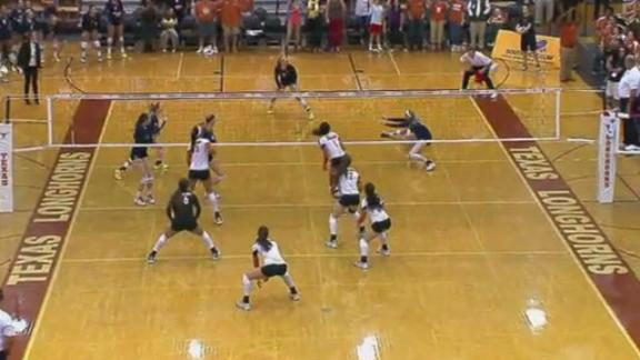 No. 1 Texas Volleyball Clinches Share of Big 12 Title