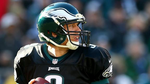Foles throws 3 TDs as Eagles hold off Cards