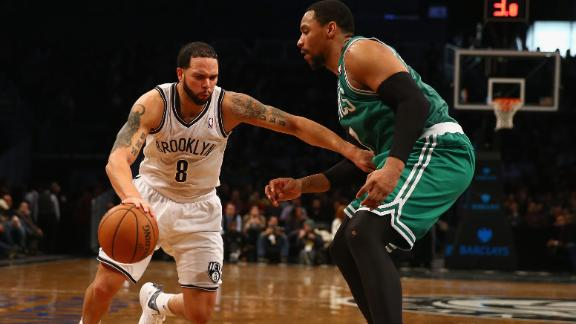 Williams returns, powers Nets past Celtics