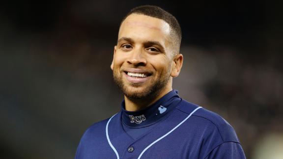 Sources: Loney agrees to deal with Rays