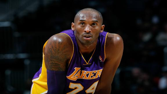 Video - Kobe Struggles Against Hawks