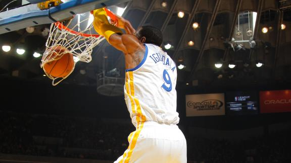 Warriors thump Pelicans in Iguodala return