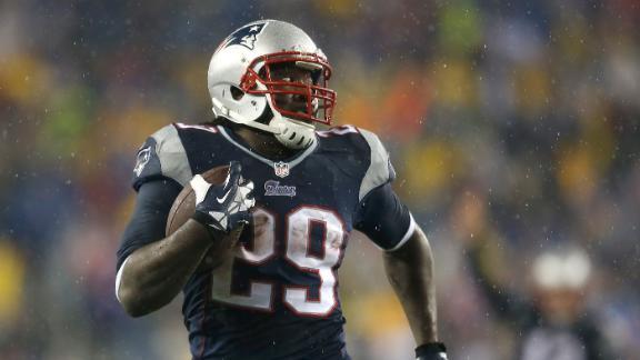 Blount-led Patriots grab No. 2 seed